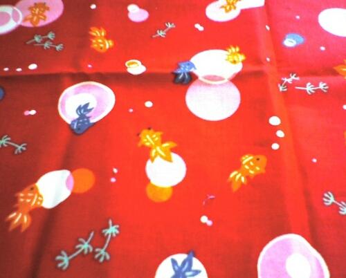 子供用の布ぞうりを作っていました