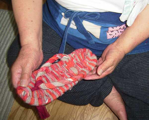 布ぞうりを作っていましたので